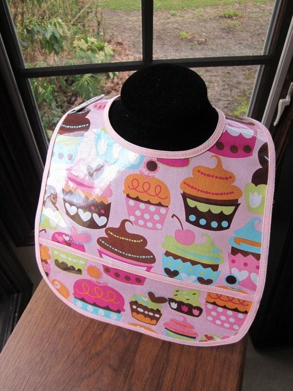 WATERPROOF WIPEABLE Baby to Toddler Wipeable Plastic Coated Bib Michael Miller Pink Cupcakes