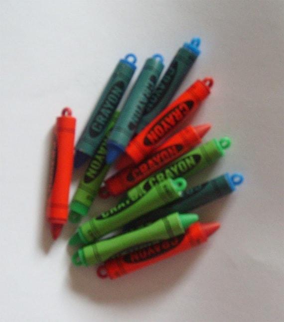 12 Plastic Crayon Charms Red Blue Green Lot by pandoraslocker