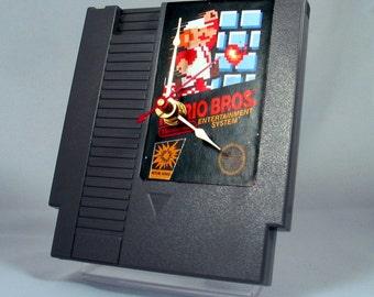 VINTAGE Nintendo Super Mario Brothers Cartridge Clock (1985)