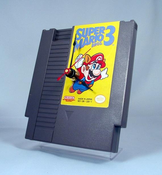 VINTAGE Nintendo Super Mario 3 Cartridge Clock (1985)