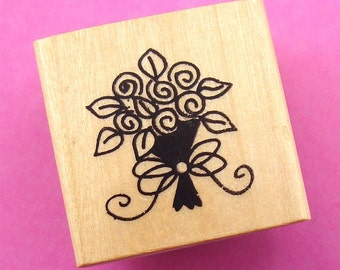 rubber mounted stamp / small floral bouquet