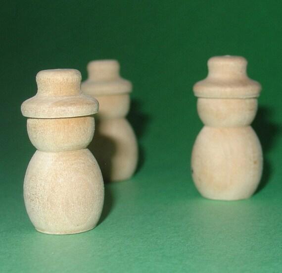 wooden snowmen / 3 pieces
