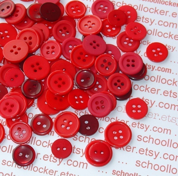 red buttons / SPECIAL SALE . 500 pieces assorted . perfect Christmas and Valentines Day embellishments