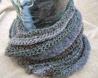 Gray knitted Multi fiber cowl