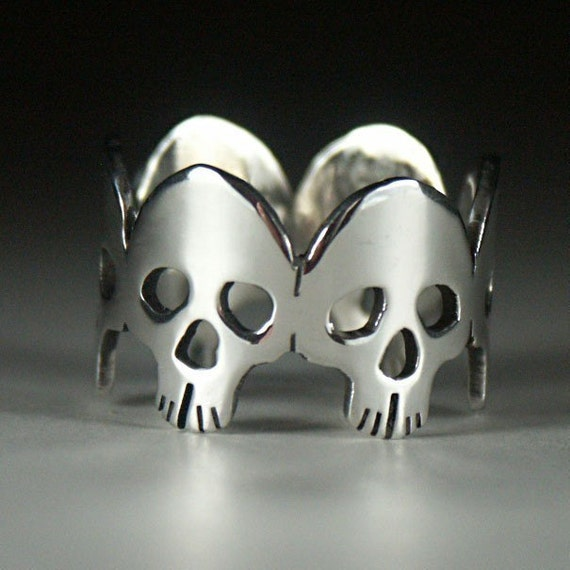 Skulls Ring - Made in Your Size
