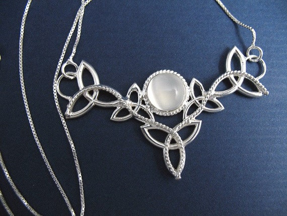 Sterling Silver Celtic Trinity Knot Moonstone Pendant Necklace