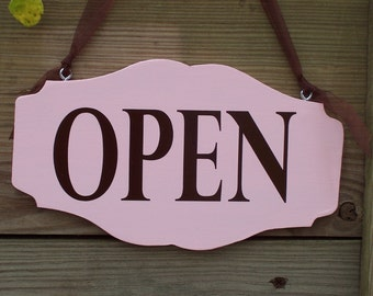 Open Closed Sign Retro Pink Wood Vinyl Sign Business Office Supply Retail Shop Salon Beauty Supplies Scallop Custom Personal Sign Design