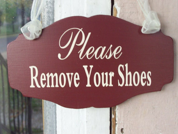 Please Remove Your Shoes Wood Vinyl Sign Rustic Country Prim Red Entry Door Hanger Plaque American Home Decor Gift For New Mom Housewarming