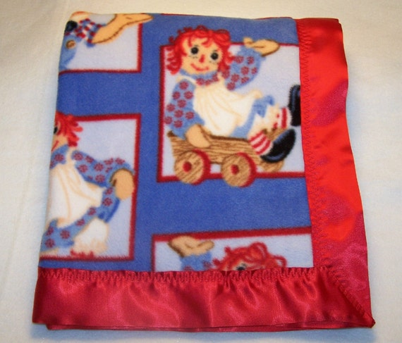 Raggedy Ann And Andy Fleece Baby Blanket With Red Satin