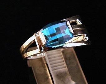 Flight - Blue Topaz ring