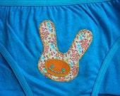 Floral bun bun . blue panties size 7