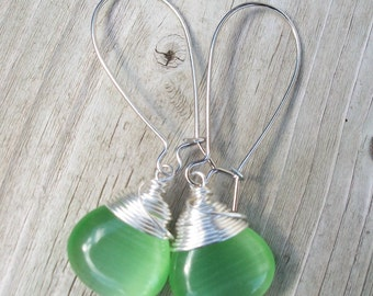 Emerald Green Cats Eye Earrings. Briolettes. Wire Wrapped. Silver.