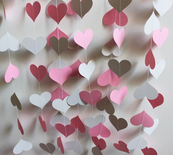 Garland 14' Light Pink and Gray Hearts