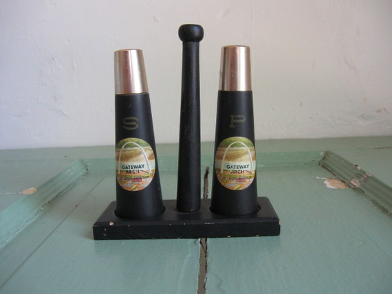 Salt and Pepper Shakers- St. Louis Gateway Arch Souvenir with stand