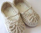 Crochet Baby Booties, Organic Cotton Mary Janes, Crib shoes, Baby sandals // Many sizes and colors to choose from // Baby Shower Gift