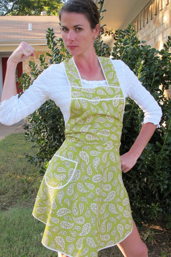 Flirty Everyday Housewife Apron - Green and Cream Paisley