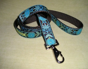 Flourish Leash in Turquoise and Brown