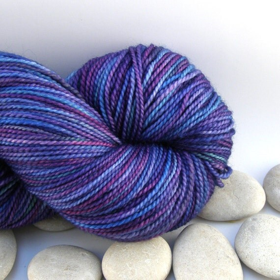 Queen of Hearts - Knitting Yarn Superwash Merino Hand Dyed Wool Yarn - Fingering Weight, Variegated, 430yds - Sea of Dreams