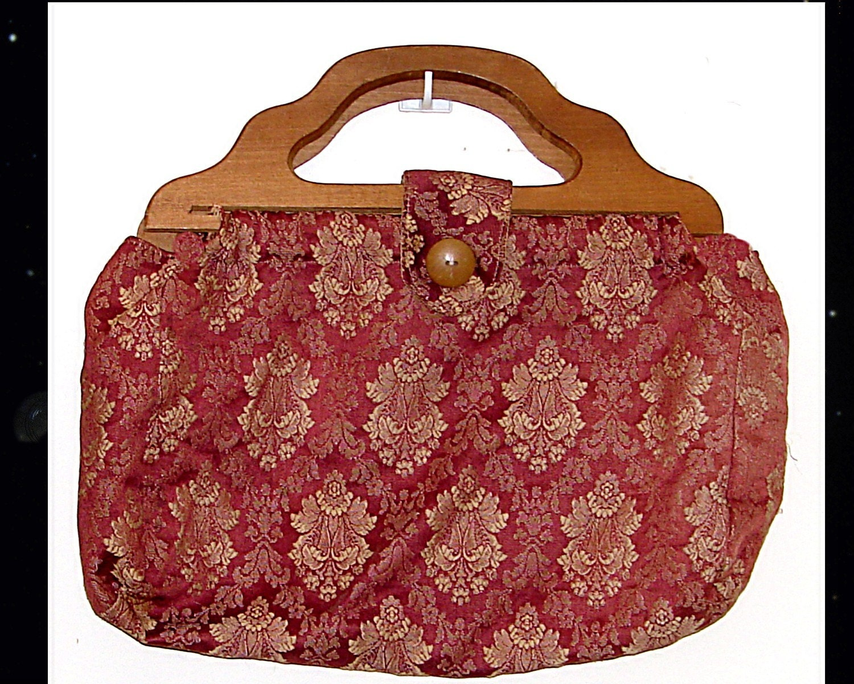 Vintage Knitting Bag : Vintage knitting bag with wooden handles by poshandtrendy
