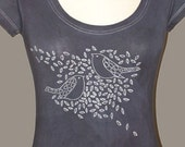Doves on Scoop Neck T Shirt in Dark Grey