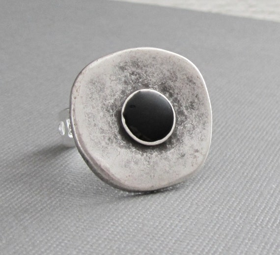 The Silver Metal and Black Dot Adjustable Ring