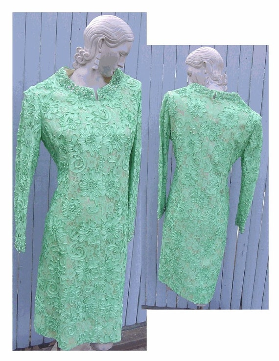 Spring Green Ribbon Dress with Beaded Rhinestone COLLAR and CUFFS - Spectacular Mint Condition Vintage Dress