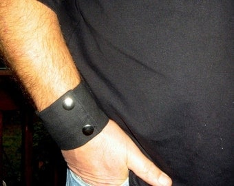 "Mens Wrist - Money Cuff- ""Secret Stash"" Black  - hide your cash, key  in an inside zipper. Great for travel."