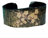 Dogwood Recycled Vinyl Cuff