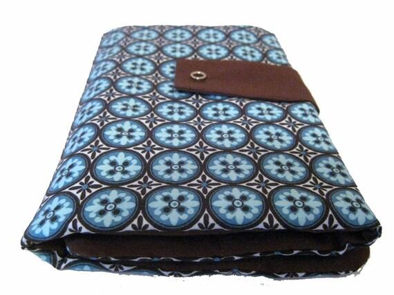 circular knitting needle organizer - chocolate and blue dots
