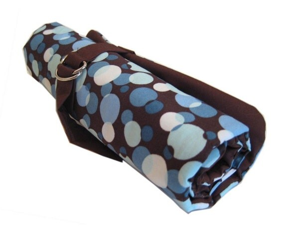 dpn knitting needle organizer - blue dots on chocolate