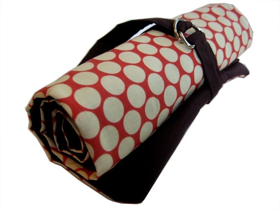 dpn knitting needle organizer - red with white dots