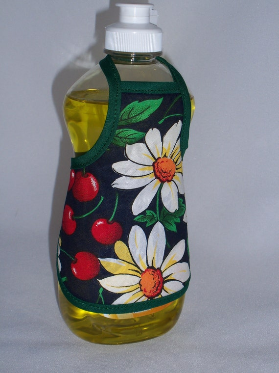 Cherry Country  Decor Dish Soap Bottle Apron Small Cozy Home