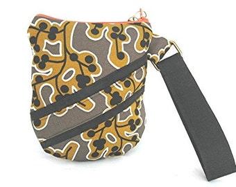 Berries on Vines Ikea Ipod Cellphone Passport Camera ETC Wristlet Bag
