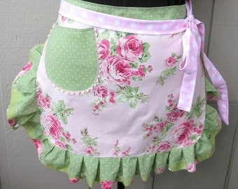 Womens Aprons / Pink Roses Aprons / Shabby Chic Oink Aprons / Pink and Green Aprons / Annies Attic Aprons / Etsy Aprons / Bridal Shower Gift