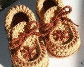 Toddler size Moccasin Slippers (crochet pattern)