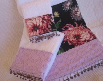 Black Floral and Lavender Chenille Embellished Bath Towel Set
