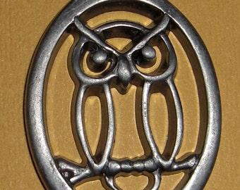 vintage pewter owl pendant - f1744