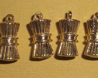 10 pcs. gold tone casted charms - f1342