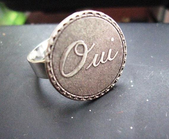 Francophone Oui Yes Ring// paris shabby adjustable