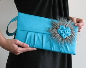 Wristlet purse - turquoise wristlet - pleated bridal bag - handmade evening bag - bridesmaid gift , fabric wristlet bag , evening wristlet