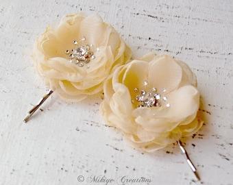 Wedding Hair Piece, Flower Girl, Bridesmaid Hair Flower, Bridal Mini Beige Yellow Hair Flower Bobby Pins - Christie in Pale Yellow