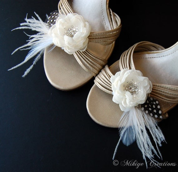 Wedding Shoe Clips, Bridal Feather Shoe Clips, Wedding Accessories, Special Occasion - Fluttering Charm