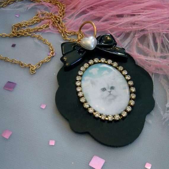 Persian Dream Kitten Cameo Necklace