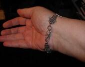 Hamsa, Khamsa, Hand of Miriam, Hand of Fatima, mid-East peace symbol magic protective bracelet   Judaicaonetsy, OlympiaEtsy,  WWWG, etsyBead
