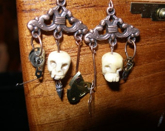 Steampunk Skull Earrings - SpookyCuteTeam,  trashionteam, Halloween24/7, paganteam,  etsyBead, WWWG