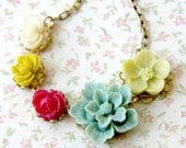 Seafoam and Moss Flower Necklace