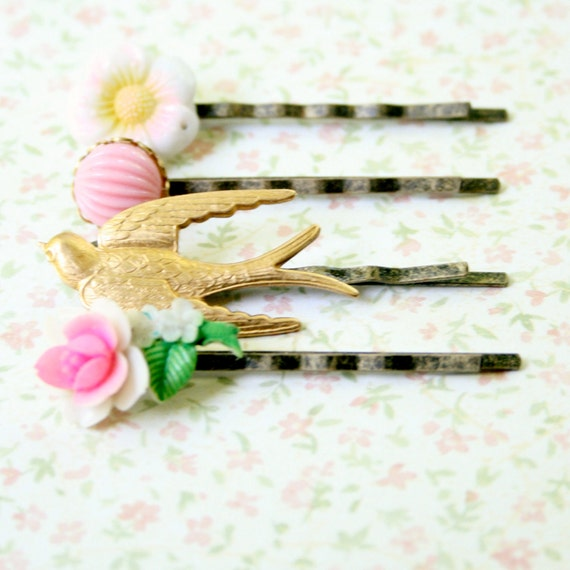 Bits and Bobs Bobby Pins In Pink
