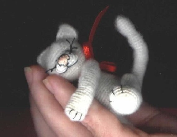 Mini Cat Kitten Thread Crochet Pattern by Bear Artist. Instant Download Miniature Animal Figure Crafts Amigurumi Edith Molina