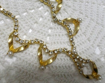 Vintage Prong Set Clear Rhinestone Faux Pearl Necklace . 1950s