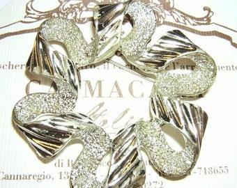 Vintage Sarah Coventry Brooch - Silver Ribbon -  No.17